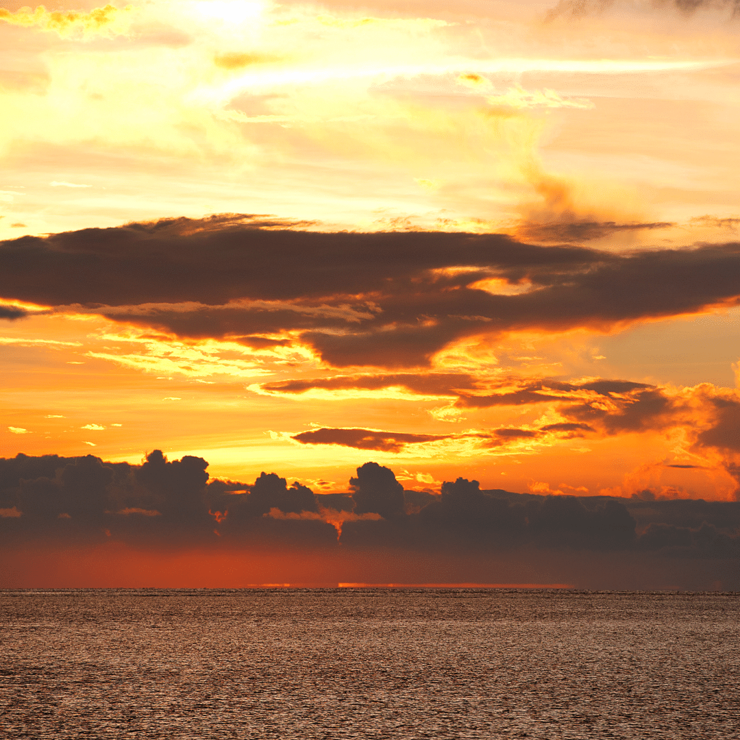 glowing_beach_maldives